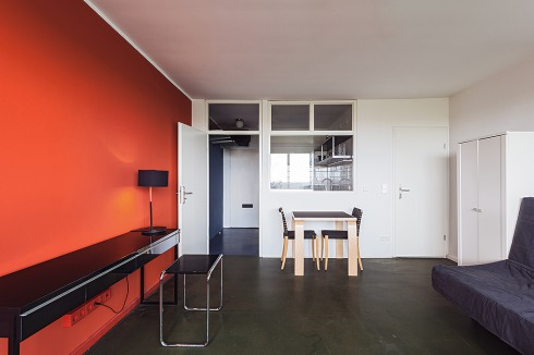 bauwelt schalter in den farben von le corbusier. Black Bedroom Furniture Sets. Home Design Ideas