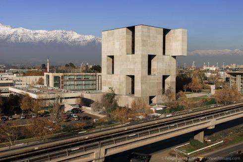Bauwelt innovationszentrum uc anacleto angelini in for Architektur chile